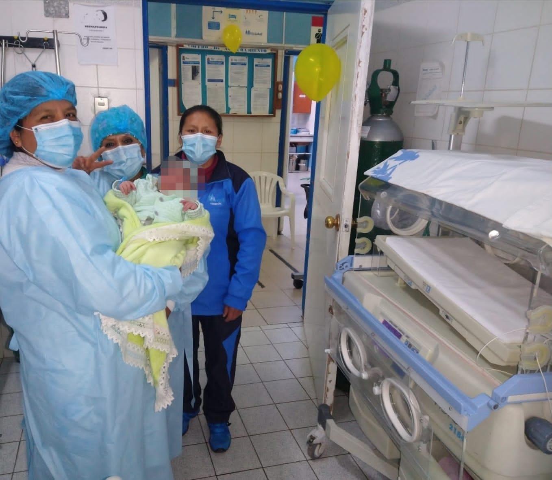 Essalud - EsSalud Huancavelica: bebé de 4 kilos y medio es el primero del 2021 en el Hospital II de esta región