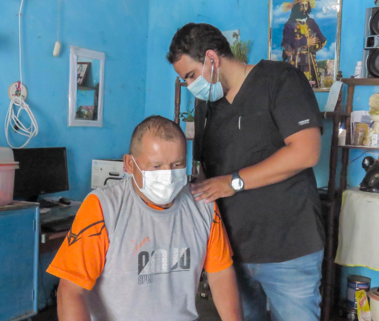 Essalud - EsSalud Tumbes realizó catorce mil atenciones domiciliarias durante pandemia