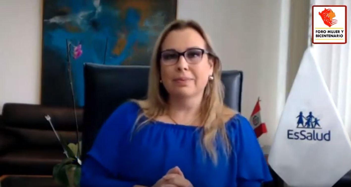 Presidenta de EsSalud destaca participación de mujeres profesionales de la salud en la lucha contra la pandemia