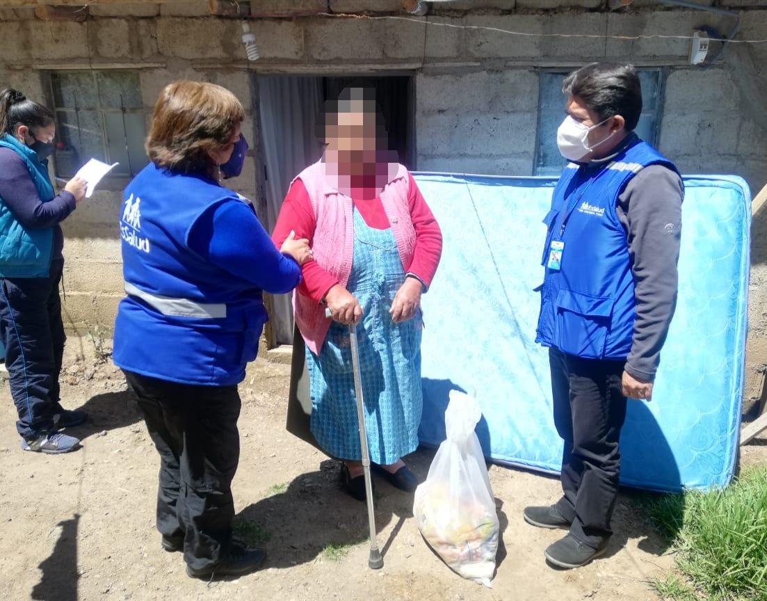 Essalud - EsSalud Puno realiza labor social en beneficio de personas vulnerables