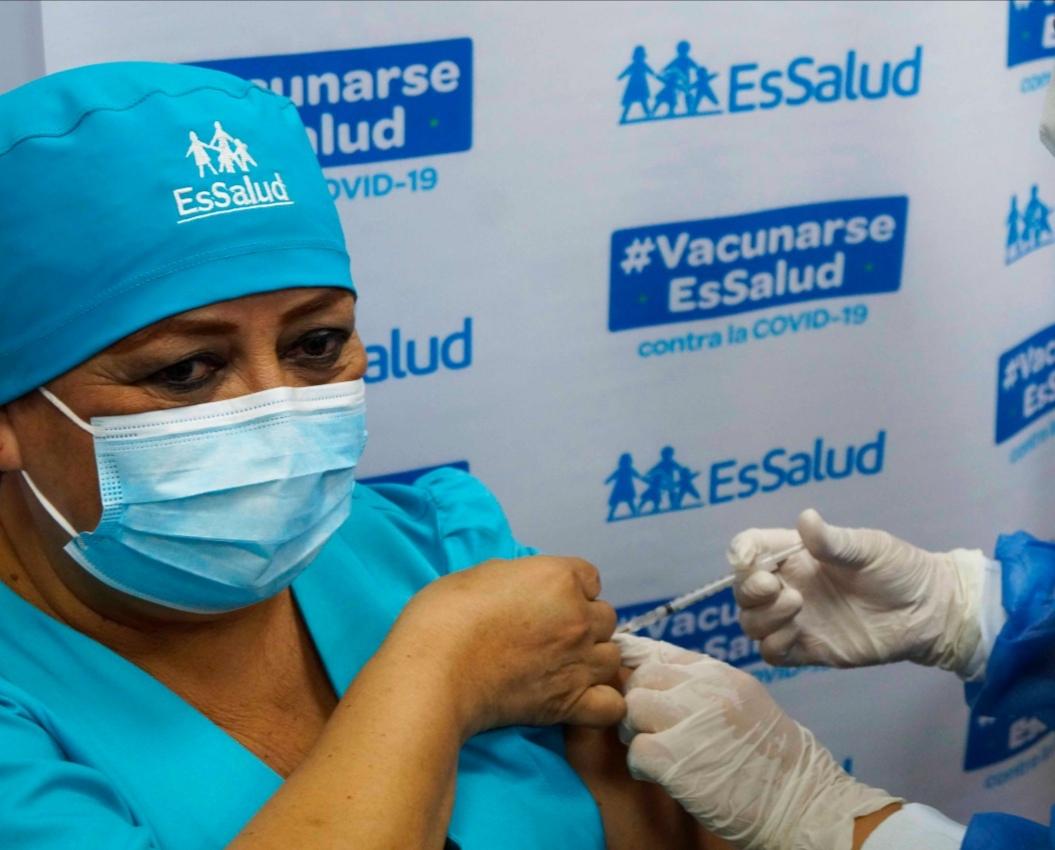 Essalud - EsSalud La Libertad inició la jornada de vacunación contra Covid-19