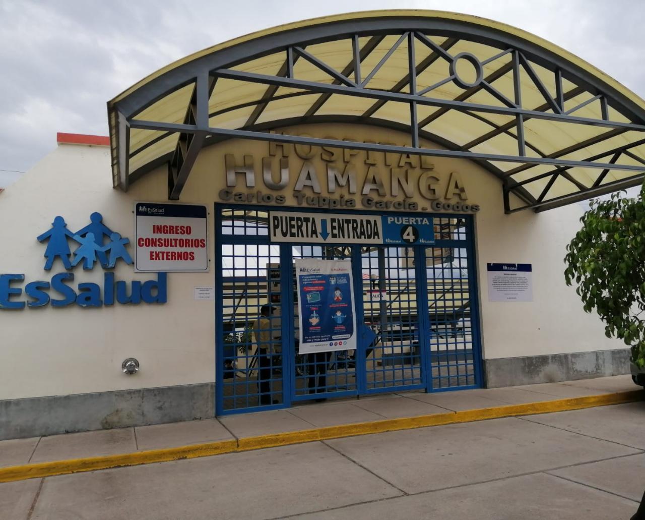 Essalud - EsSalud Ayacucho realiza primera traqueostomía percutánea a paciente con Covid-19