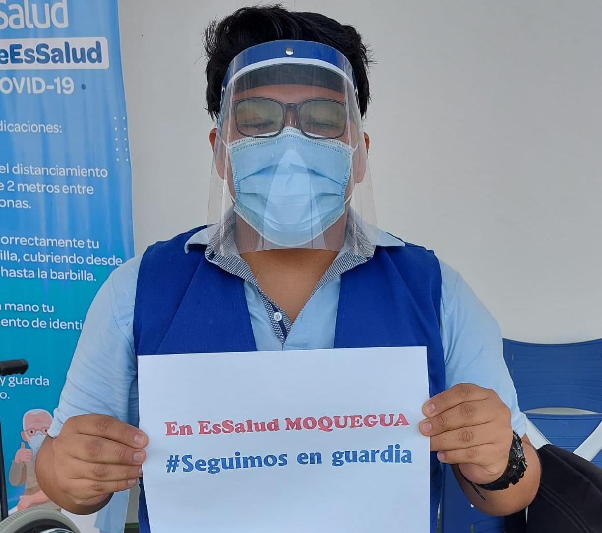 Essalud - EsSalud Moquegua finaliza al 100% primera fase de vacunación a su personal