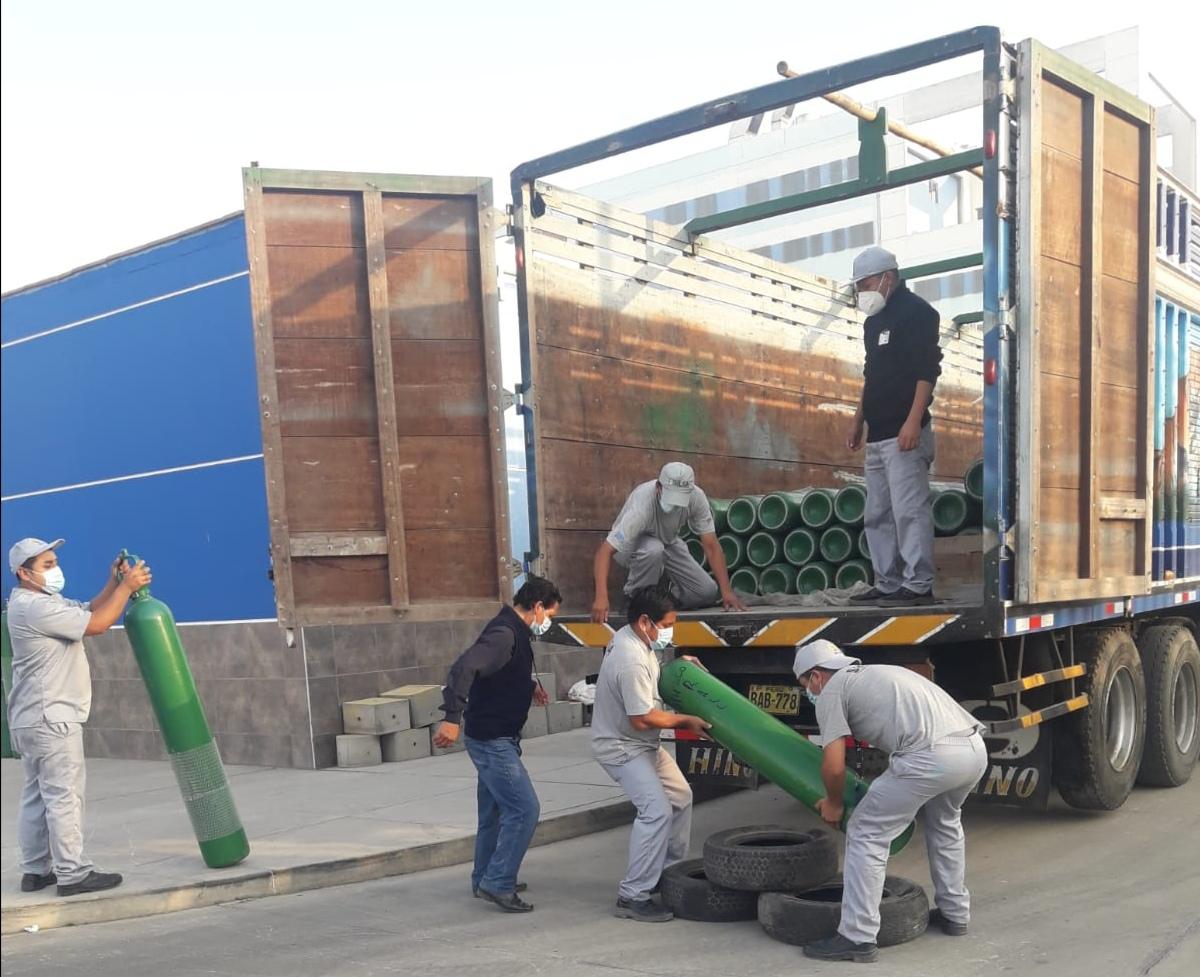 Essalud - EsSalud la Libertad recargó 150 balones de oxígeno que serán distribuidos en hospitales de esa red