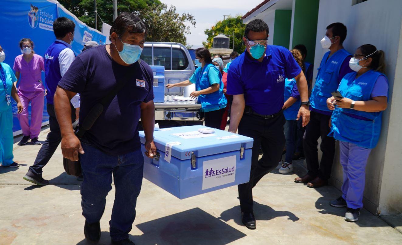 Regiones recibieron con alegría y optimismo primeros lotes de la vacuna contra el Covid-19 en día de distribución histórica de EsSalud