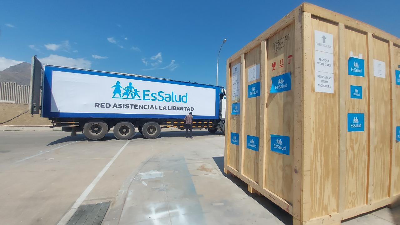 Essalud - EsSalud envía a La Libertad planta generadora de oxígeno para redoblar atención en pacientes con Covid-19