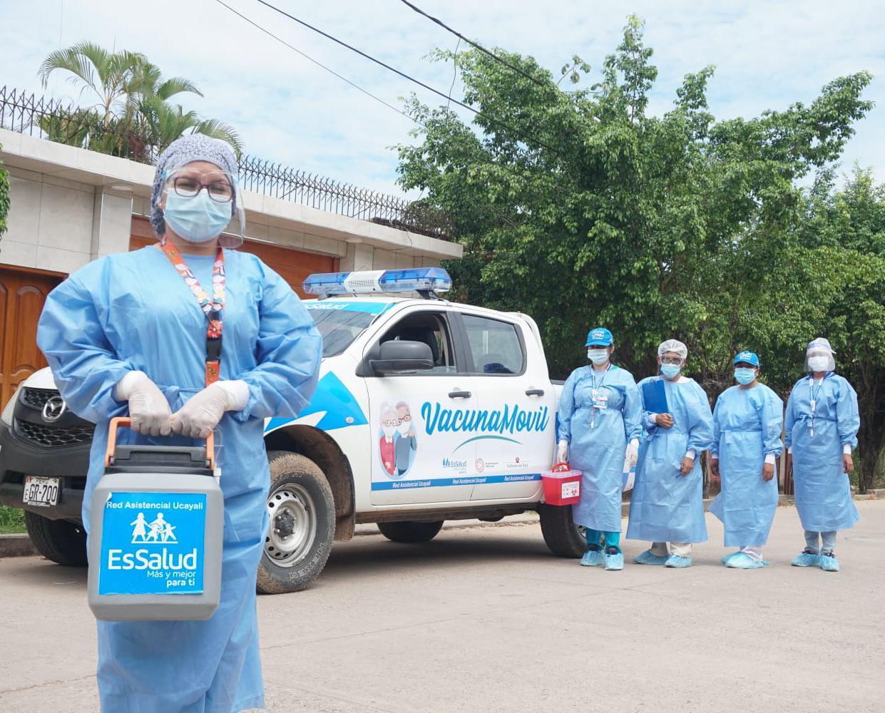 Essalud - EsSalud Ucayali inicia la vacunación a domicilio para adultos mayores postrados