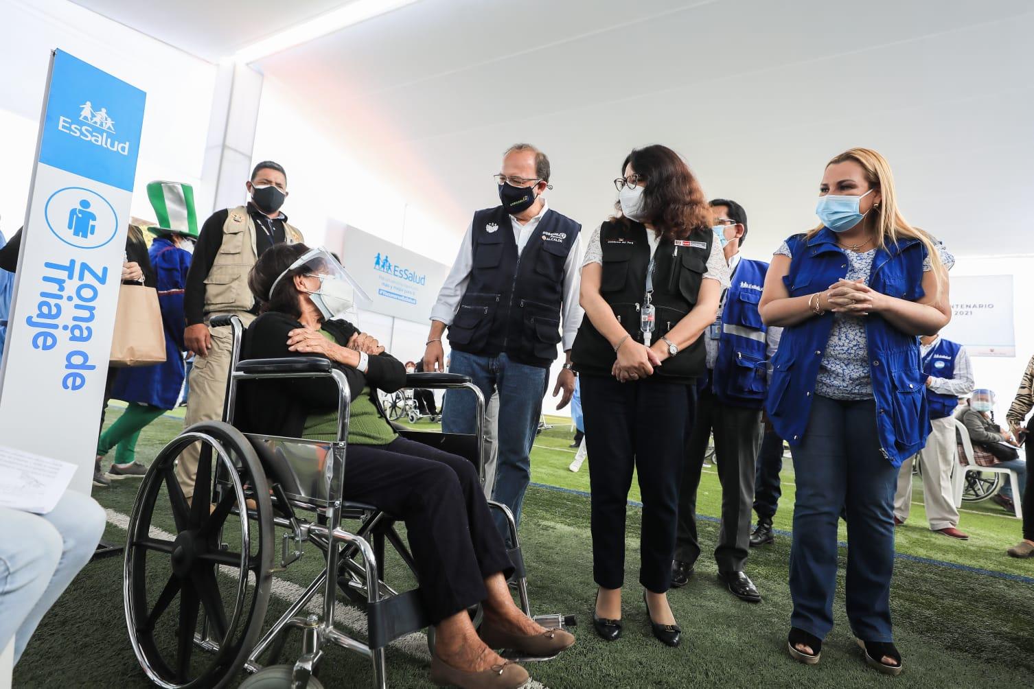 Essalud - Presidenta de EsSalud  anuncia implementación de 7 nuevas plantas de oxígeno para pacientes COVID-19 en los próximos días