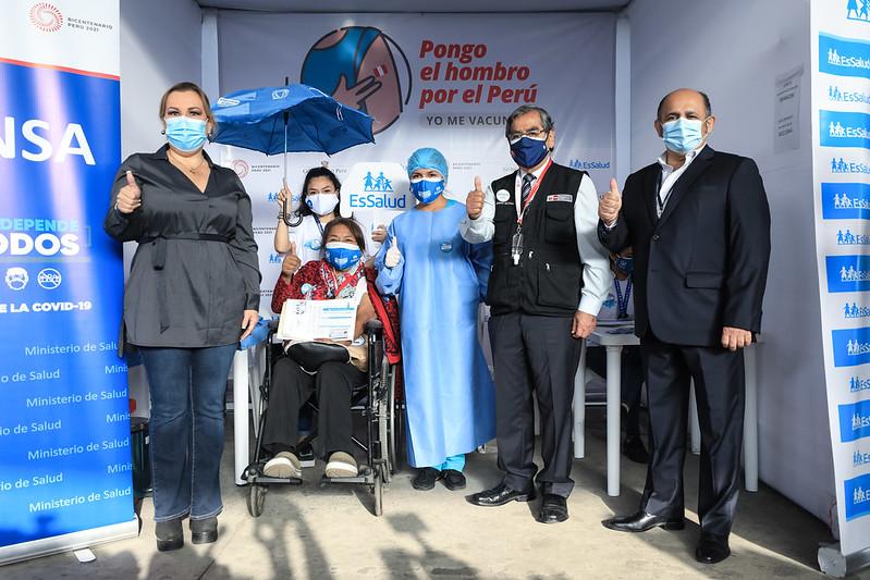 Essalud - Presidenta del Seguro Social informó sobre protocolo de vacunación para pacientes renales