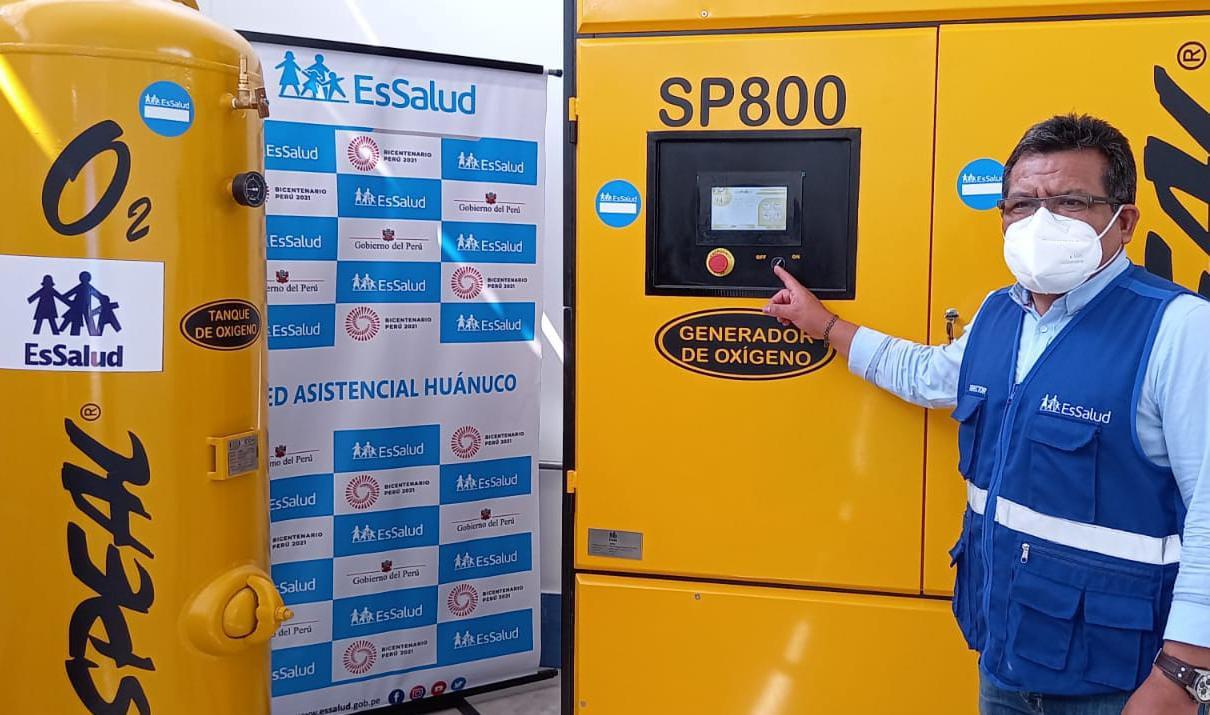 Primeros (50) balones de oxígeno en beneficio de pacientes Covid-19 produjo nueva planta enviada a EsSalud Huánuco
