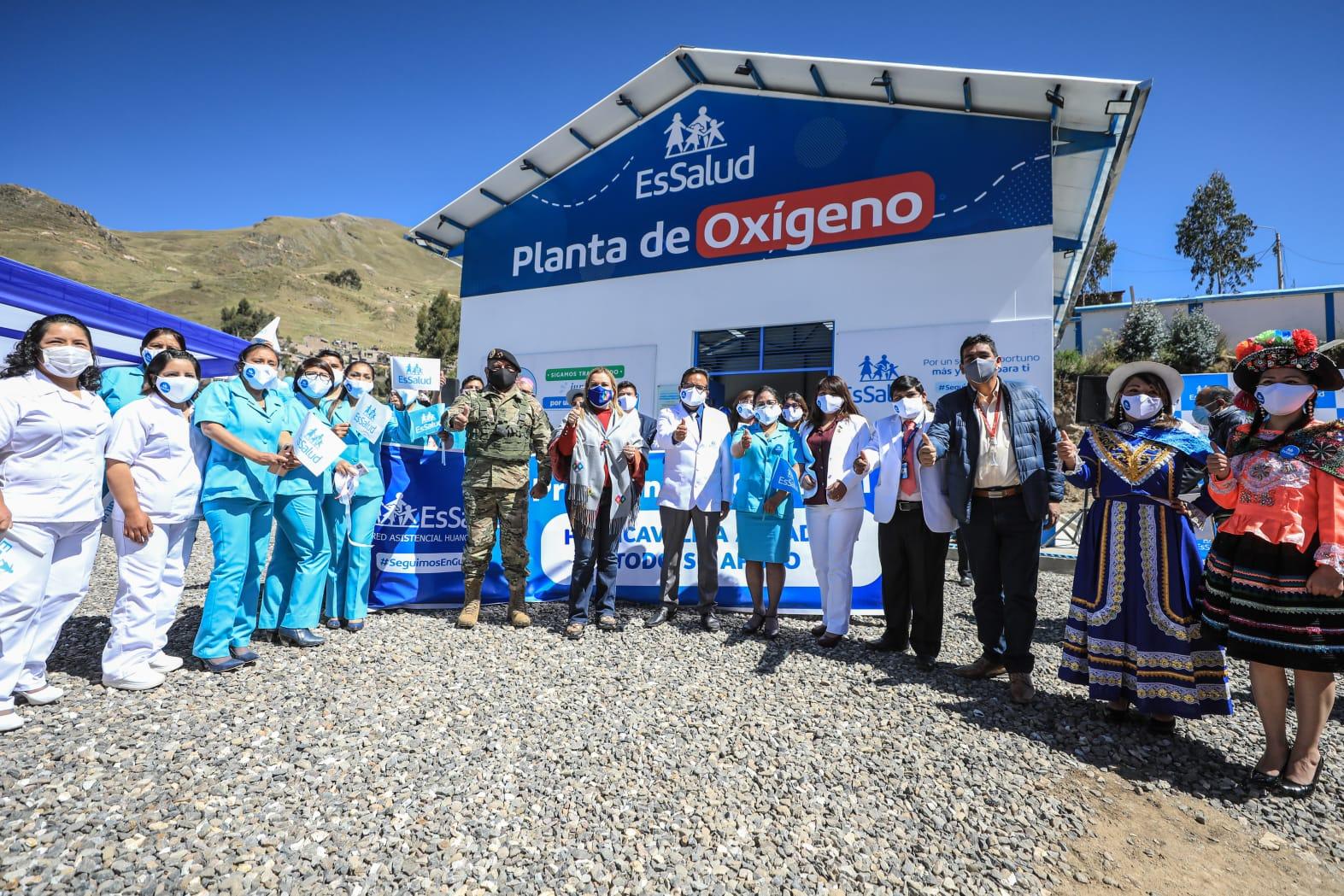 Essalud - Fiorella Molinelli puso en funcionamiento nueva planta de oxígeno en el Hospital II Huancavelica de EsSalud y envió otra infraestructura similar a Tarapoto