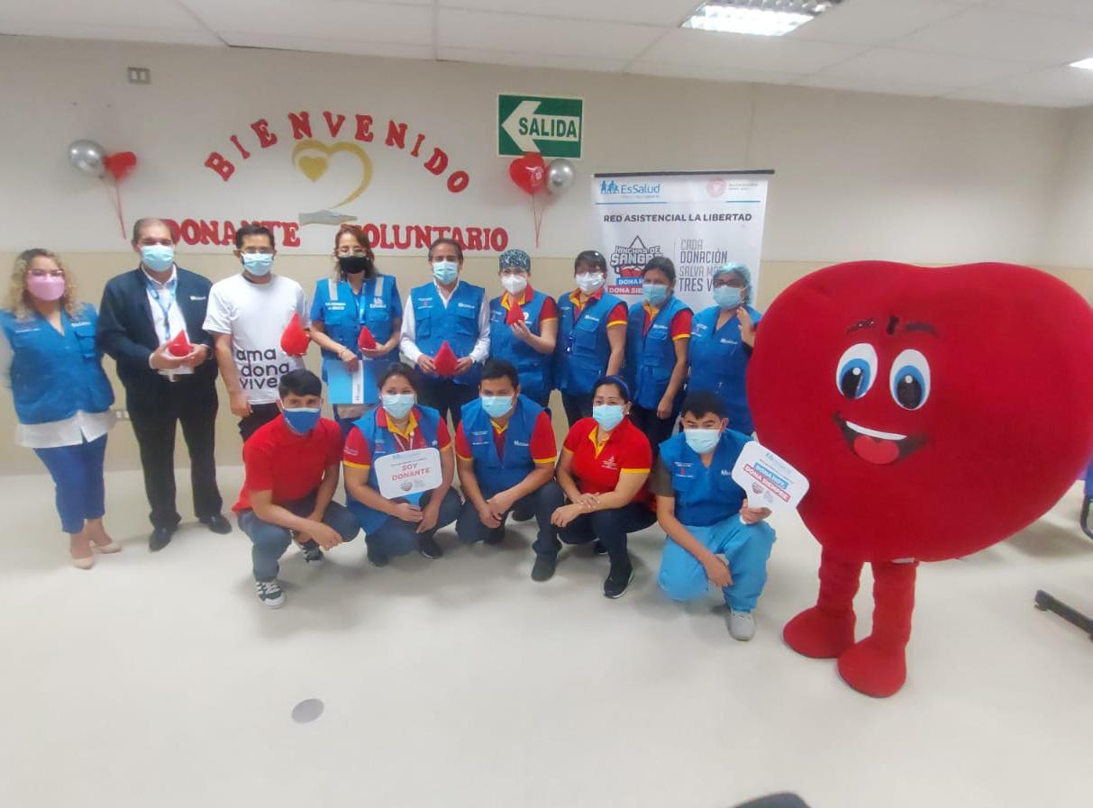 Essalud - EsSalud La Libertad realiza campaña por el Día Mundial del Donante de Sangre 2021