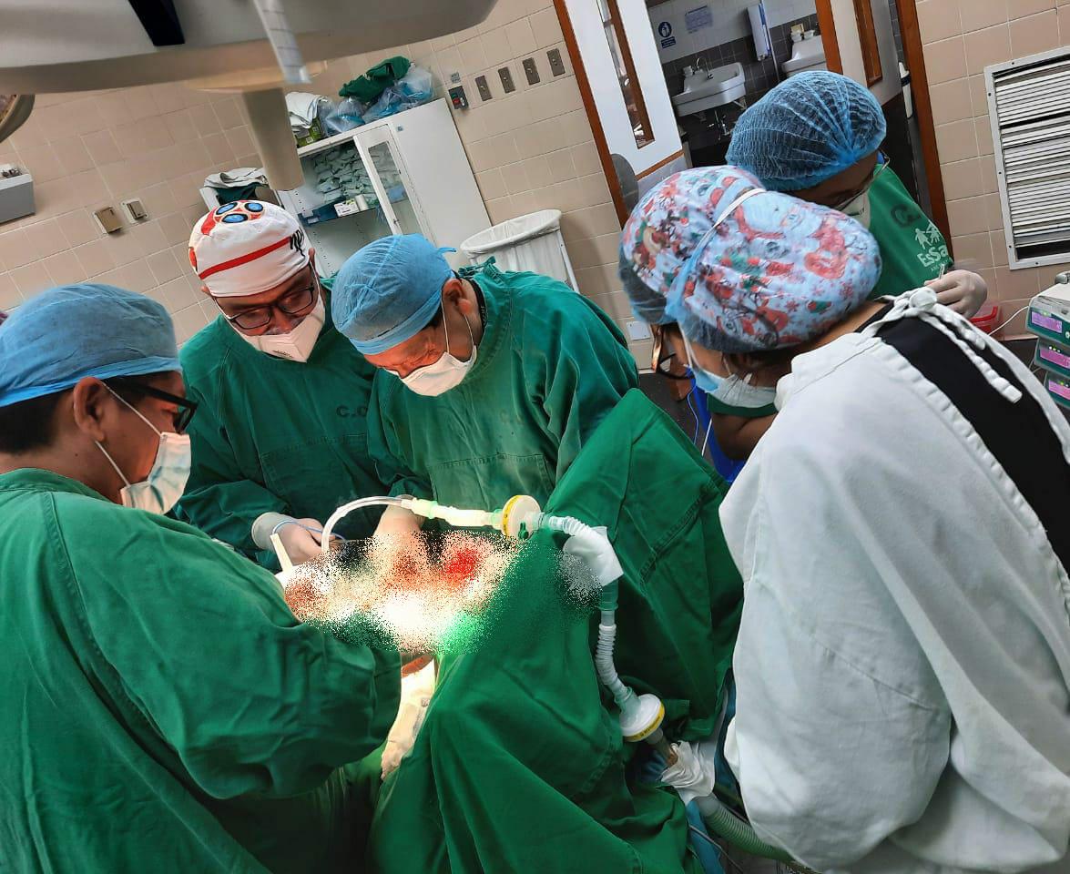 Essalud - EsSalud Cusco realiza traqueoplástia a paciente que sufrió obstrucción severa en sus vías respiratorias a causa de la Covid-19