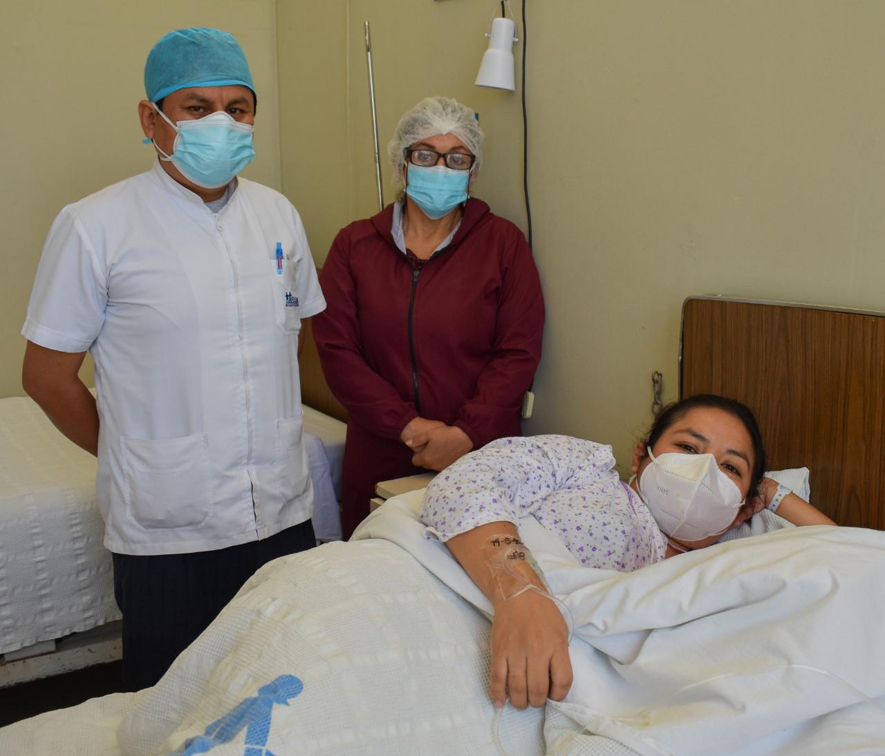 Essalud - EsSalud Tacna salvó la vida de madre gestante internada en UCI por Covid-19 y la de su bebé