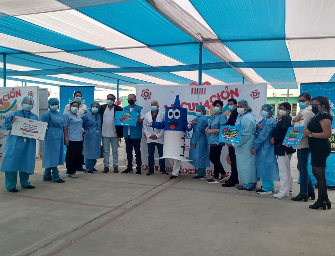 EsSalud Lambayeque continúa jornada de vacunación contra la Covid-19 al ritmo de música, en homenaje al Bicentenario