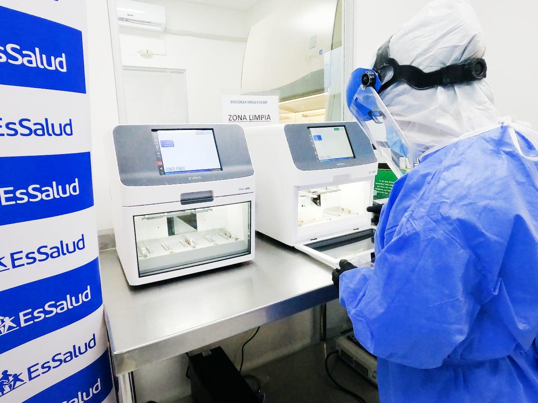 Essalud - Moderno laboratorio de EsSalud Arequipa procesa más de 120 mil pruebas moleculares y antigénicas en la región