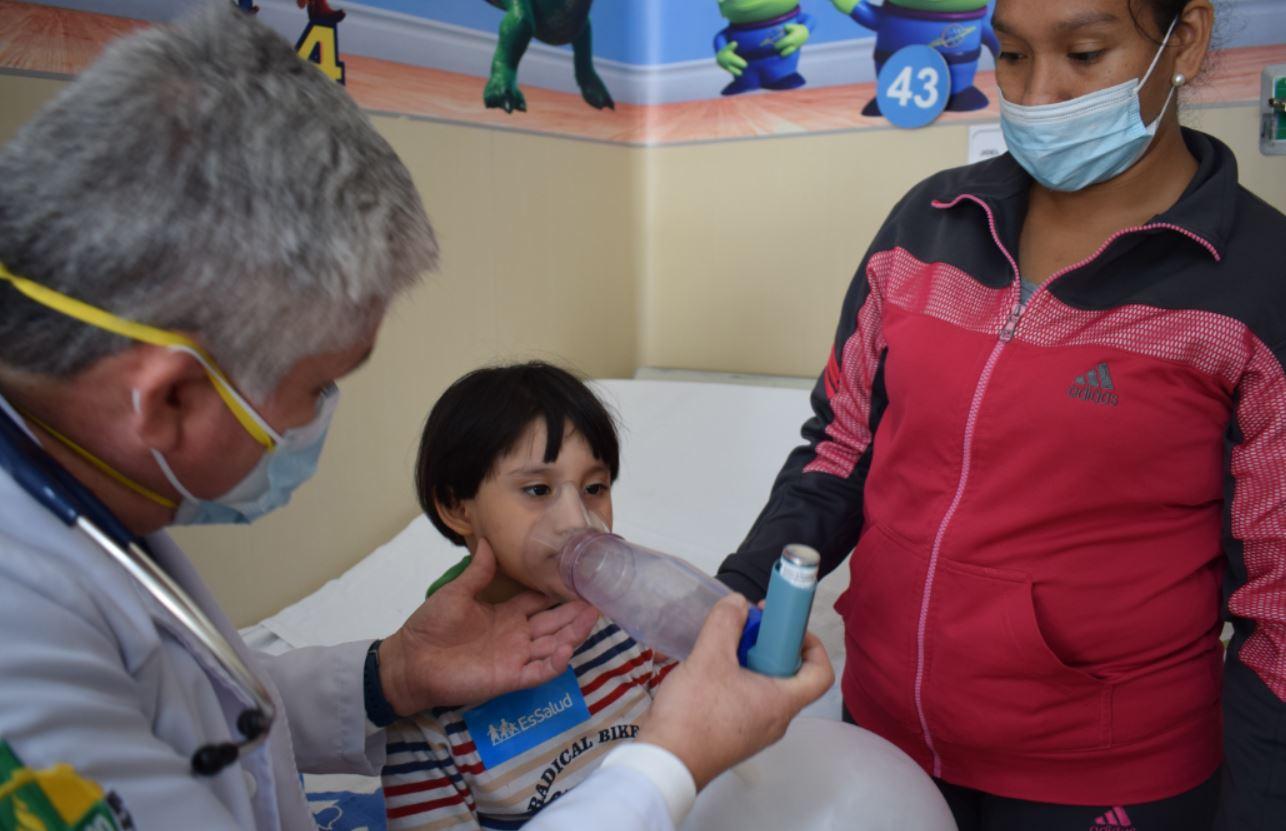 EsSalud advierte que situaciones de estrés en pandemia podrían generar ataques de asma en los niños