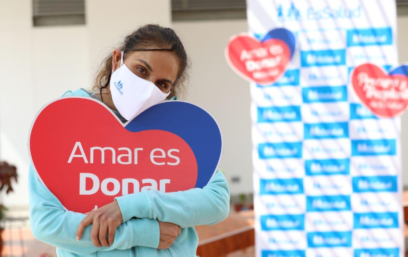 Essalud - Exitoso trasplante en INCOR-EsSalud devuelve la vida a madre de familia que regresa a casa con un nuevo corazón