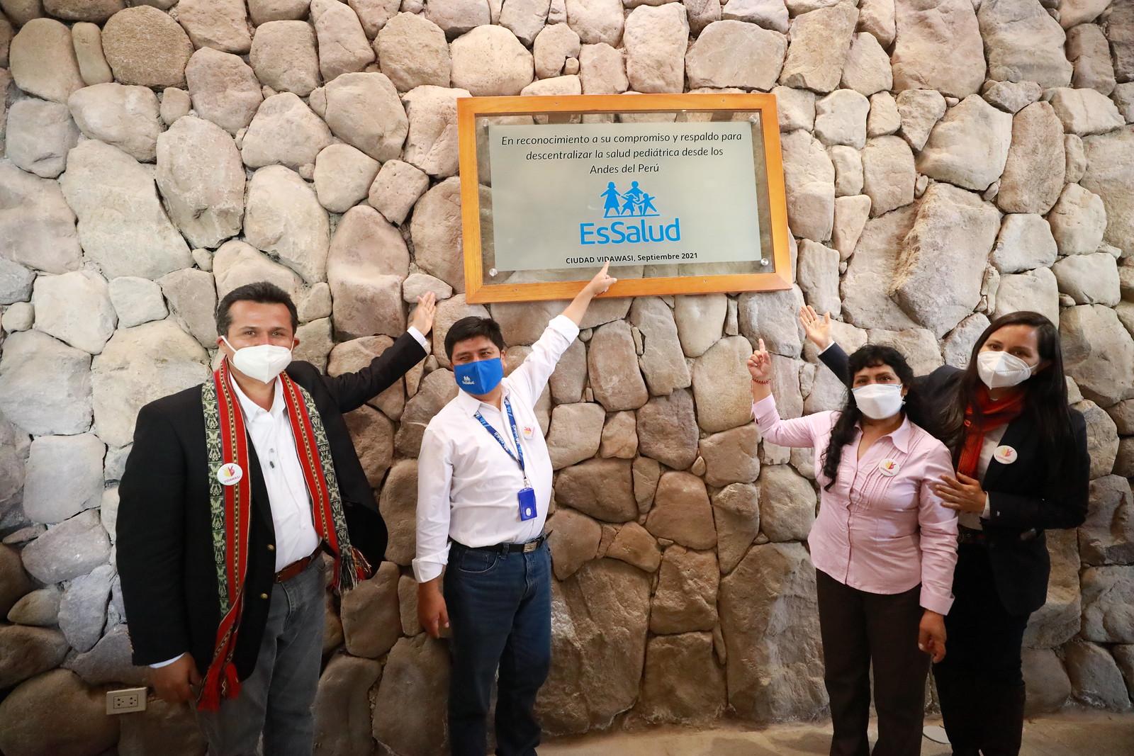 Essalud - Cusco: Presidente de EsSalud firma convenio que promueve la prevención y el tratamiento oportuno de cáncer infantil
