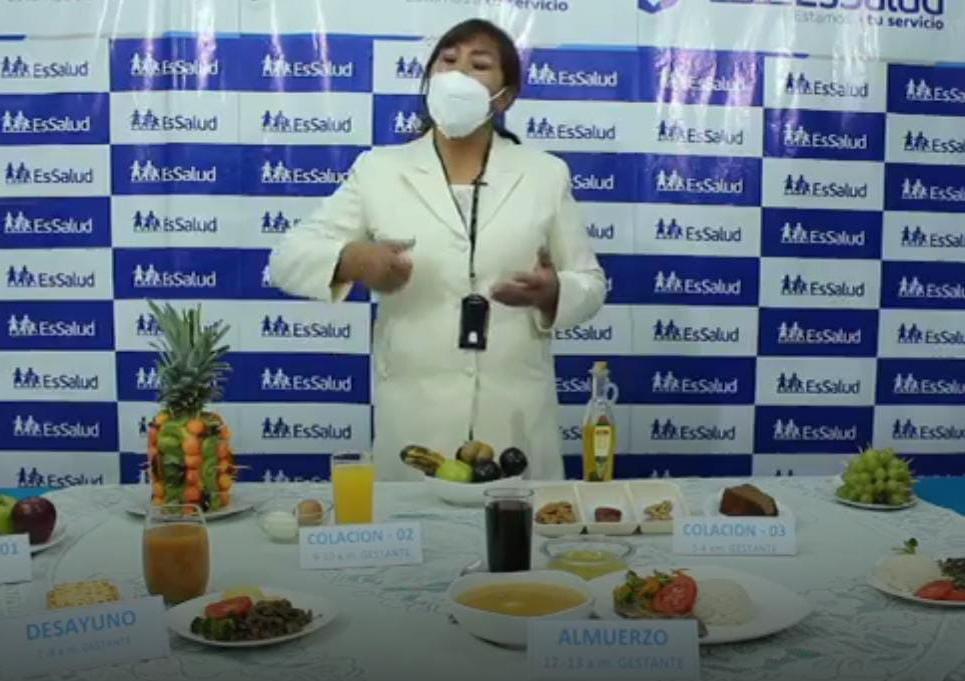Essalud - EsSalud Puno realizó sesión demostrativa de alimentación para la prevención de anemia