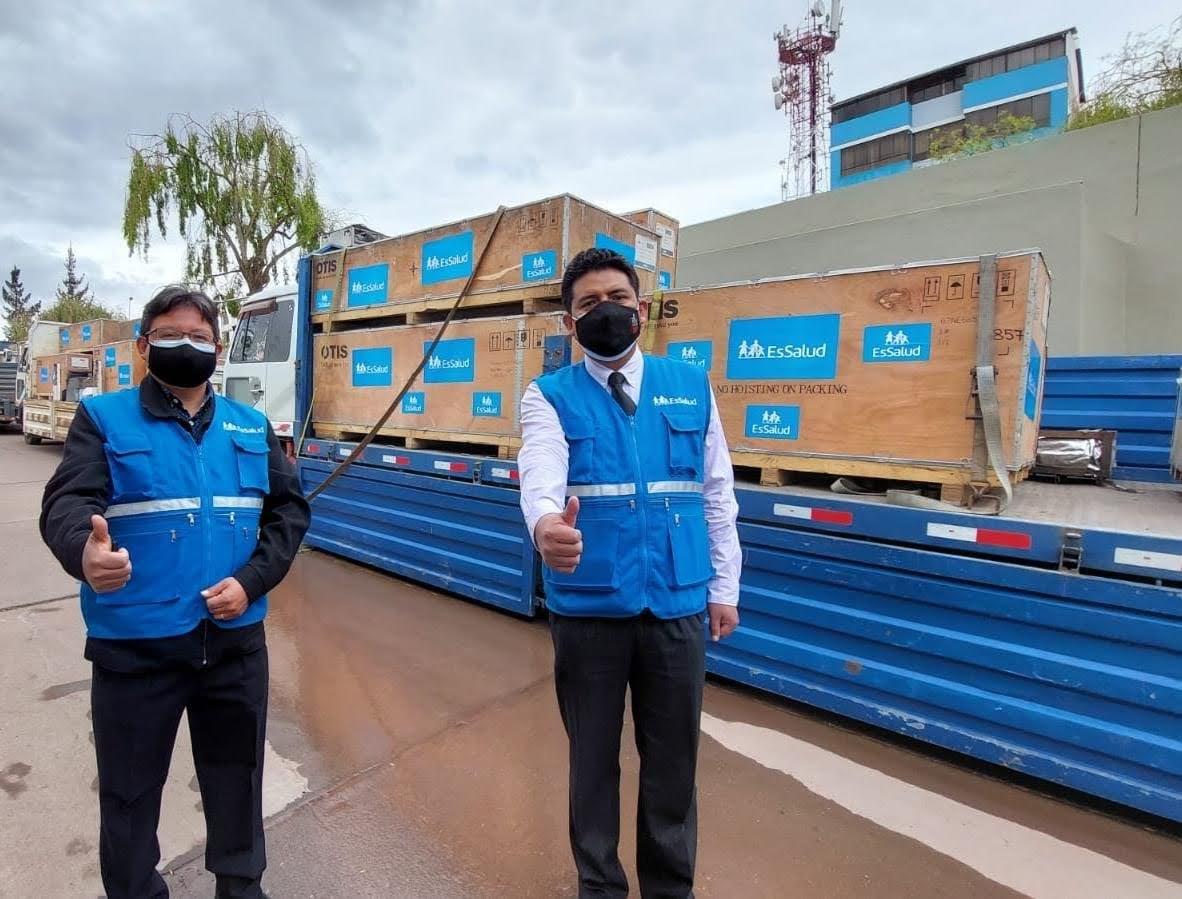 Essalud - EsSalud Cusco renueva cuatro ascensores camilleros con tecnología de última generación en Hospital Nacional Adolfo Guevara Velasco