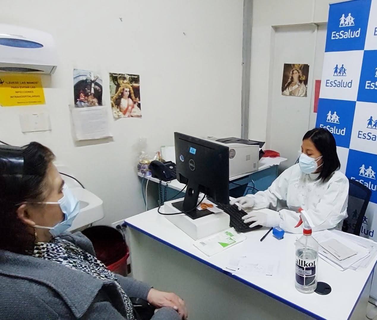 Essalud - EsSalud Arequipa recomienda ejercicios para prevenir osteoporosis